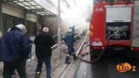 Πυροσβέστες έσπασαν τζάμια για σβήσουν την φωτιά στο ΑΠΘ  (ΒΙΝΤΕΟ)