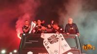 Στο κέντρο της Θεσσαλονίκης το πούλμαν με τους παίκτες του ΠΑΟΚ  (ΦΩΤΟ -ΒΙΝΤΕΟ)