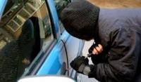 Τον έπιασαν στα ''πράσα'' να ανοίγει αυτοκίνητα στη Θεσσαλονίκη