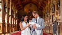 Χάρι - Μέγκαν: Η πρώτη εμφάνιση με το βασιλικό μωρό στην αγκαλιά τους (φωτό)