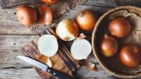 Κρεμμύδια: Τα οφέλη τους και ποιοι πρέπει να τα αποφεύγουν